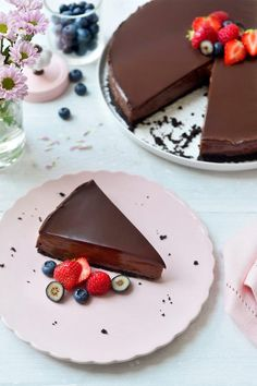 """Recipe """"No bake Nutella cheesecake"""" Pudding Desserts, Bbq Desserts, No Bake Desserts, No Bake Oatmeal Bars, Oatmeal Cream Pies, Hot Chocolate Gifts, Easy Chocolate Chip Cookies, Good Food, Yummy Food"""