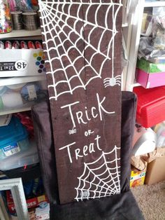 Trick or treat pallet sign.  (HOC made 9-8-14)
