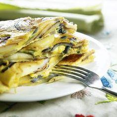 Tortilla espanola Meat, Chicken, Food, Spanish Omelette, Essen, Meals, Yemek, Eten, Cubs