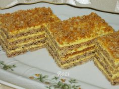 Rosie Transylvanian cuisine: roasted with sugar and walnut cake Hungarian Desserts, Hungarian Cake, Hungarian Recipes, Sweet Cookies, Cake Cookies, Poppy Cake, Walnut Cake, Cakes And More, Bakery