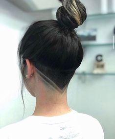 Shaved Undercut, Undercut Long Hair, Hair Inspo, Hair Inspiration, Undercut Hairstyles Women, Undercut Women, Medium Hairstyles, Undercut Hair Designs, Curly Hair Styles