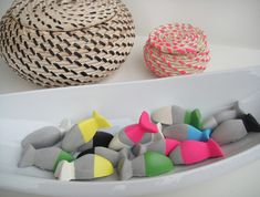 Amazing ikea diy- painted concrete fishes made from ikea ice tray. Not sure I really like exactly this, but there are lots of ideas/inspiration in this. Concrete Crafts, Concrete Projects, Painting Concrete, Diy Painting, Diy For Kids, Crafts For Kids, Diy Crafts, Diy Projects To Try, Craft Projects