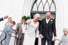 Bröllopsfotograf Helsingborg Raus kyrka. Vigsel, riskastning. Sanna Dolck, www.sannadolck.com/brollop.  Wedding photographer Sweden.