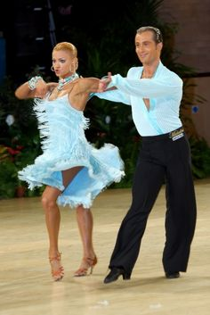 Ballroom dancing Ricardo and Yulia, champs Latin Ballroom Dresses, Ballroom Dancing, Latin Dresses, Shall We Dance, Just Dance, Costume Tribal, Salsa, Dance Movement, Dance Pictures