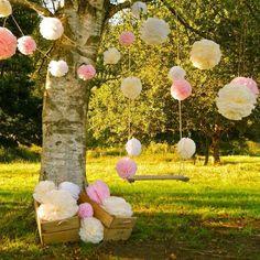 ¿Y si decoramos un árbol en la boda? Ideas con encanto llenas de romanticismo
