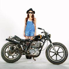 www.wheelsontoast.co.uk wp-content uploads 2015 11 cycle-zombies-girl.jpg