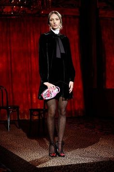 View the full Kate Spade New York Fall 2017 ready-to-wear collection.