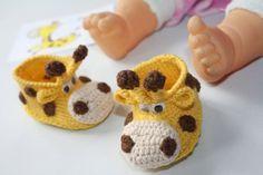 Giraffe booties Pregnancy baby announcement Newborn booties Unisex Neutral gender Little baby shoes Reveal gift set Crochet newborn shoe - Schwangerschaft Newborn Crochet, Crochet Baby Booties, Handmade Greetings, Greeting Cards Handmade, Giraffe Baby, Baby Boy, Baby Announcement Shoes, Bonnet Crochet, Beanie Babies