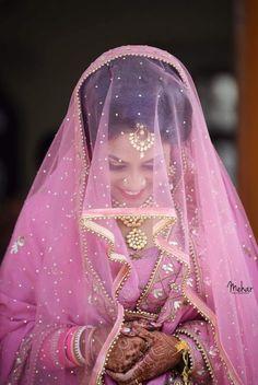 Gur Indian Wedding Bride, India Wedding, Punjabi Bride, Punjabi Wedding, Punjabi Suits, Perfect Bride, Beautiful Bride, Bridal Looks, Bridal Style