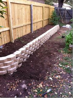 Best Small Yard Landscaping & Flower Garden Design Ideas Because you have a small garden, it doesn't want to work a lot. A small garden can be very exotic with just a little planning. Improving a beautiful modern garden [ … ] Lawn And Garden, Garden Beds, Garden Cart, Sun Garden, Tower Garden, Tropical Garden, Back Gardens, Outdoor Gardens, Diy Jardin