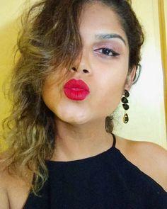 Bom dia!  Tem tutorial dessa make lá no Snapchat do blog #nicebadgirl corre e confere. 😊 #snapchat #snapme #follow #blog #nicebadgirl #maquiagem #makeup #make #beautyblogger #beauty #colourpop #creeper #tutorial