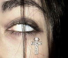 Devil Aesthetic, Aesthetic Eyes, Badass Aesthetic, Bad Girl Aesthetic, Aesthetic Grunge, Aesthetic Photo, Estilo Gangster, Lila Baby, Beautiful Girl Makeup