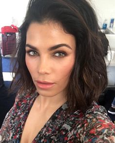Jenna Dewan Tatum gives us brow-spiration.