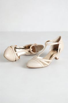 12 Wedding Shoes: BC Footwear T-Strap Kitten Heels from Anthropologie. #Stylish365
