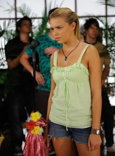 Indiana Evans as Bella Mermaid Swim Tail, Mermaid Swimming, Mermaid Tale, H2o Mermaids, Indiana Evans, Mermaid Pictures, Girl In Water, 2000s Fashion, Summer Of Love