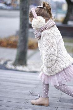 Un must have para niña, combina con todo y tu le das el estilo que quieras, imprescindible !!!