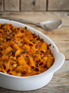 Pasta al forno con ragù di zucchine e melanzane #pomodoro #ricetta #recipes #tomato #recipe #italianrecipe Pasta Recipes, Cooking Recipes, Best Italian Recipes, Recipe Boards, Pasta Bake, Oven Baked, Gnocchi, Sweet Potato, Curry