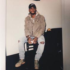 Black mans Finna flex on you Black Boys, Black Men, Bryson Tiller Wallpaper, Mode Hip Hop, Zack Y Cody, Chocolate Men, Raining Men, Comme Des Garcons, Fine Men
