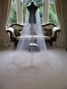 Wholesale Long Lace White Ivory Wedding Veils For Bridal Veil 2015 New Luxury 3M Bridal Veils With Lace Cathedral Wedding Veil Vintage Beaded Veils, Free shipping, $82.94/Piece | DHgate Mobile