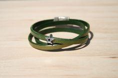 Bracelet femme cuir 5 mm - 3 tours/étoile – vert doré métallisé – fermoir magnétique : Bracelet par boisdesoluthe
