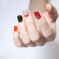 Beautiful Nail Art 2019 These nails uses a unique style and offers a great deal. Natural Color Nails, Hello Nails, Sun Nails, Tribal Nails, Cute Acrylic Nail Designs, Happy Nails, Short Nails Art, Garra, Minimalist Nails