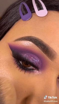 Purple Eye Makeup, Eye Makeup Art, Colorful Eye Makeup, Eyeshadow Makeup, Makeup Eyes, Purple Makeup Looks, Maquillage On Fleek, Maquillage Yeux Cut Crease, Makeup Looks Tutorial