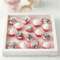 Kookospallot Mini Cupcakes, Espresso, Desserts, Food, Espresso Coffee, Tailgate Desserts, Deserts, Eten, Postres