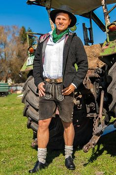 German Outfit, Lederhosen, Couture, Handsome, Hipster, Mens Fashion, Shorts, How To Wear, Leather