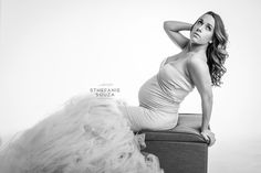 Elegant black and white maternity photos with sew trendy maternity gown #rochesterny #maternityphotographer #rochesterphotographer