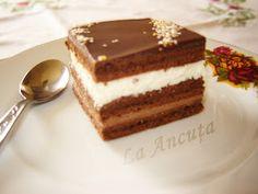 La Ancuţa: Prajitura cu ciocolata si nuca de cocos Food Cakes, Tiramisu, Cake Recipes, Cheesecake, Goodies, Ice Cream, Sweets, Candy, Ethnic Recipes