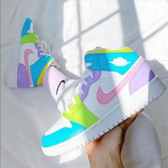 Dr Shoes, Cute Nike Shoes, Swag Shoes, Cute Nikes, Cute Sneakers, Nike Air Shoes, Hype Shoes, Sneakers Nike, Cool Womens Sneakers