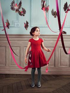 Look book Baby Dior automne hiver 2013 / 2014. Réalisation: Set design. DA: Fovea production. Photographies: Karel Balas. Baby Dior Fall Winter 2013/2014 Look book. Production: Set design. Artistic direction: Fovea production. Photographs: Karel Balas