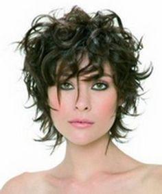 coupe de cheveux frisés femme 50 ans, 3 Hair en 2019