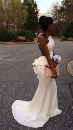 This is the nicest most simplest dress I've ever seen