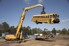 Liebherr 934, Material Handler www.scissorlift.training Heavy Equipment Training OSHA compliant
