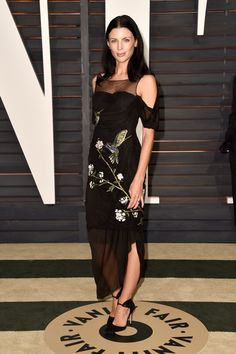 Pin for Later: See All Your Favourite British Stars at the Oscars Liberty Ross The model opted for an embroidered dress for the Vanity Fair afterparty. Liberty Ross, Red Carpet Gowns, Vanity Fair Oscar Party, Celebrity Look, Celeb Style, Dressed To The Nines, Glamour, Love Her Style, Red Carpet Fashion