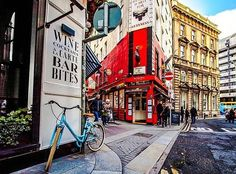 Looks like a lovely day in Dublin doesn't it?  This picture on the corner of Dame Street was taken by @rawdublin