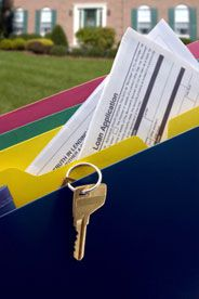 How to choose the right mortgage for you! Compare different types of loans here! Loan Application, Refinance Mortgage, Real Estate Tips, Going On Holiday, Car Insurance, 20 Years, Saving Money, Personal Finance