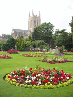Abbey Garden and St Edmundsbury Cathedral - Bury St. Edmunds in Suffolk, UK. Suffolk England, Gardens Of The World, Norwich Norfolk, Great Yarmouth, Bury St Edmunds, Natural Pond, English Gardens, Cathedral Church, Local Attractions