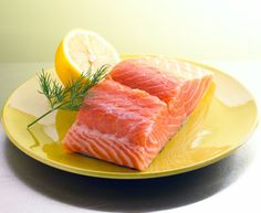 """Remembering to add some omega-3 fatty acids to your diet may help preserve your memory later in life. A new study finds eating foods containing omega-3s — like fish, chicken and nuts — may lower blood levels of a protein called beta-amyloid, which is often linked to Alzheimer's disease. Advertising Policy Carolyn Snyder, RD, LD, … <a class=""""moretag"""" href=""""https://health.clevelandclinic.org/2012/05/video-omega-3-may-boost-memory/"""">Read More</a>"""