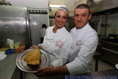 Ed eccoci al nostro appuntamento con la pizza del sabato! La fritta di Felice Messina http://www.ditestaedigola.com/la-pizza-del-sabato-la-pizza-fritta-di-felice-messina-pizzeria-la-figlia-del-presidente/