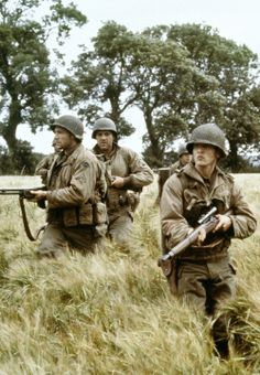 Barry Pepper , Edward Burns , Tom Sizemore in one of the scenes in Saving Private Ryan