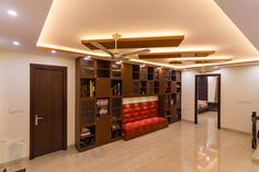 Padma's villa is situated in Sarjapura Road. It is a sprawling villa that has been given a new look with the amazing design work. Drawing Room Ceiling Design, False Ceiling Design, Pop Design, Modern Design, Apartment Entrance, Home Decor Furniture, Villa, House Design, Ceiling Lights