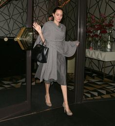 Pin for Later: Angelina Jolie Has the Chicest Fashion Fix For When You Forgot a Light Jacket