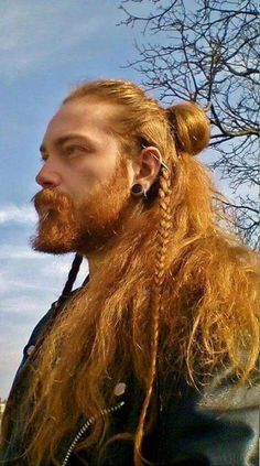 BaviPower is now presenting some awesome Viking beard styles in this Part 2 of Viking Beard Tips and Styles. We hope our recommendations will help you finish your Viking look. Pick your favorite beard styles and try it now. Braided Hairstyles, Cool Hairstyles, Hairstyles 2016, Viking Hairstyles, Hairstyle Braid, Female Hairstyles, Beard And Hairstyles, Viking Beard Styles, Viking Braids