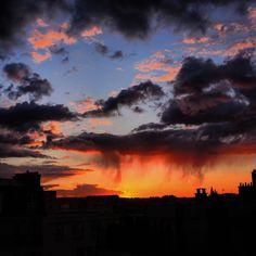 #paris #sky #sunset #coucherdesoleil #ciel #sunsets #instasky #instasunsets #milenaguideparis #parissky #parissunset #залез #небе #париж #beautifulsky #beautifulsunset