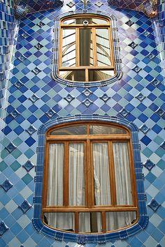 La Casa Batlló, Antoni Gaudí. 1904-1906. Barcelona, Catalonia, Spain.