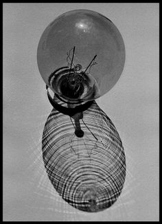 Albert WATSON :: Bulb, Neon Graveyard, Las Vegas, 1992