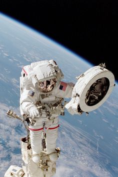 """NOVA science NOW: Franklin Chang-Diaz... """"There's a human being in outer space..."""""""