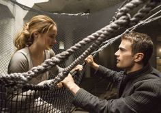 REVIEW: 'Divergent' is an entertaining film that tackles a complicated concept (3.5/5)